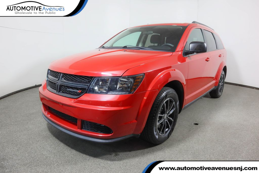 Pre-Owned 2017 Dodge Journey SE FWD with Blacktop Package & 3rd Row Seating