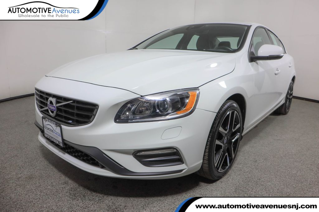 Pre-Owned 2017 Volvo S60 T5 AWD Dynamic w/ Vision Package & Navigation