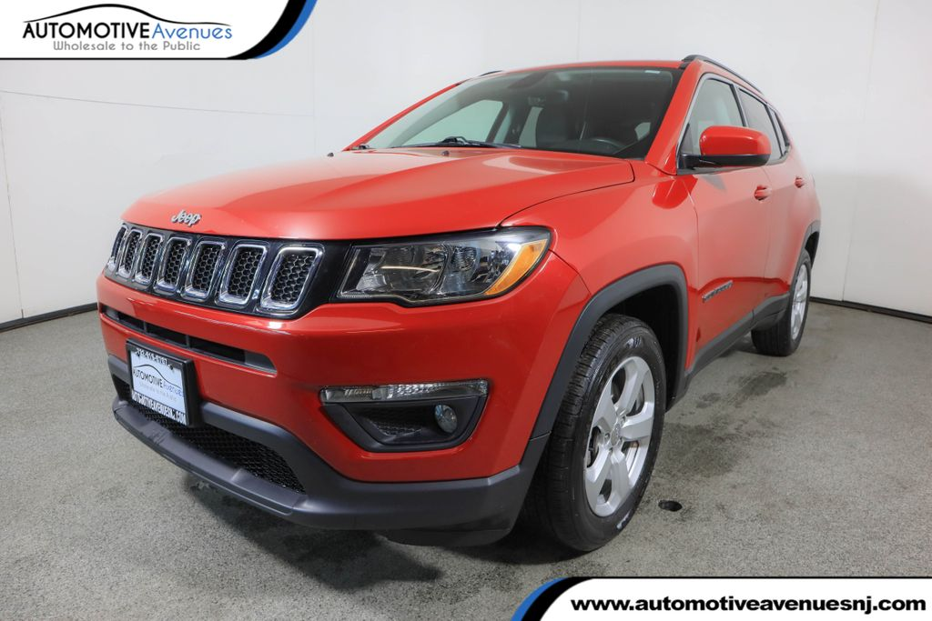 Pre-Owned 2018 Jeep Compass Latitude FWD w/ Cold Weather Group