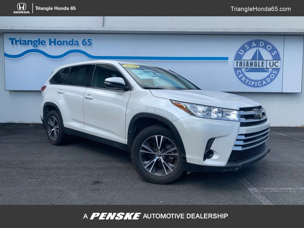 Pre-Owned 2019 Toyota Highlander LE I4 FWD
