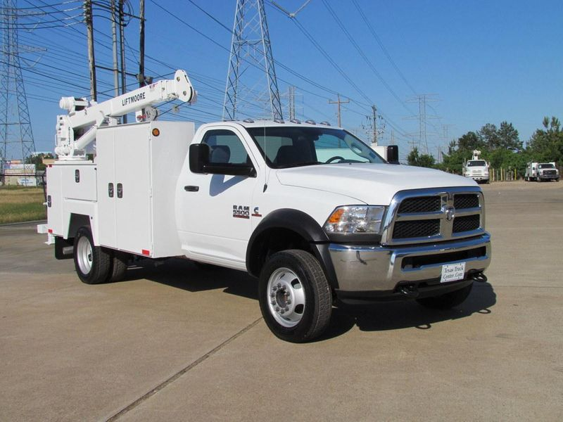 2013 Dodge Ram 5500 Mechanics Service Truck 4x2 - 11738468 - 1