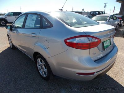 2015 Ford Fiesta 4dr Sedan SE - Click to see full-size photo viewer