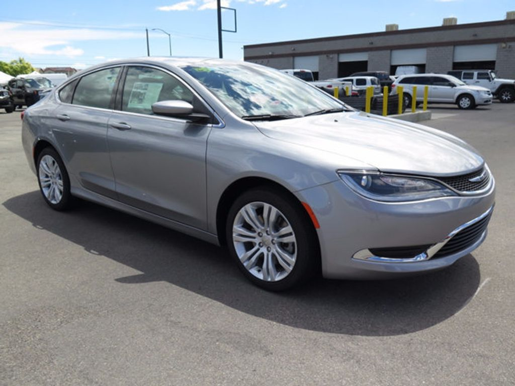 2016 Chrysler 200 4dr Sedan Limited FWD - 16731758 - 2