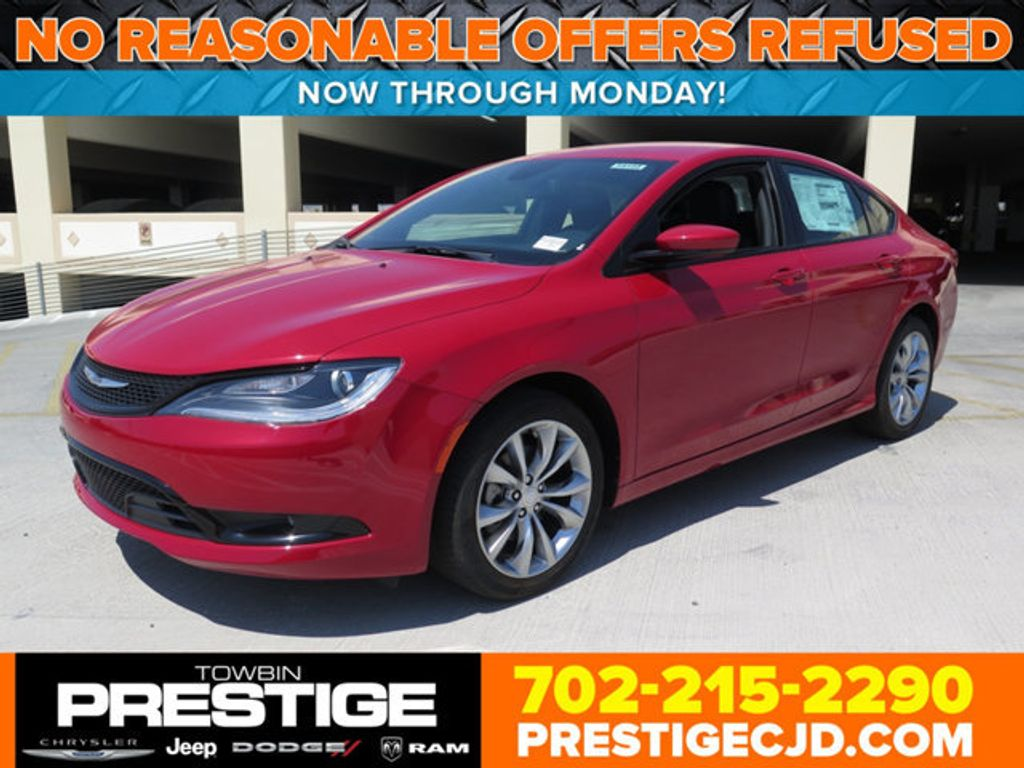 2016 Chrysler 200 4dr Sedan S FWD - 16731700 - 0