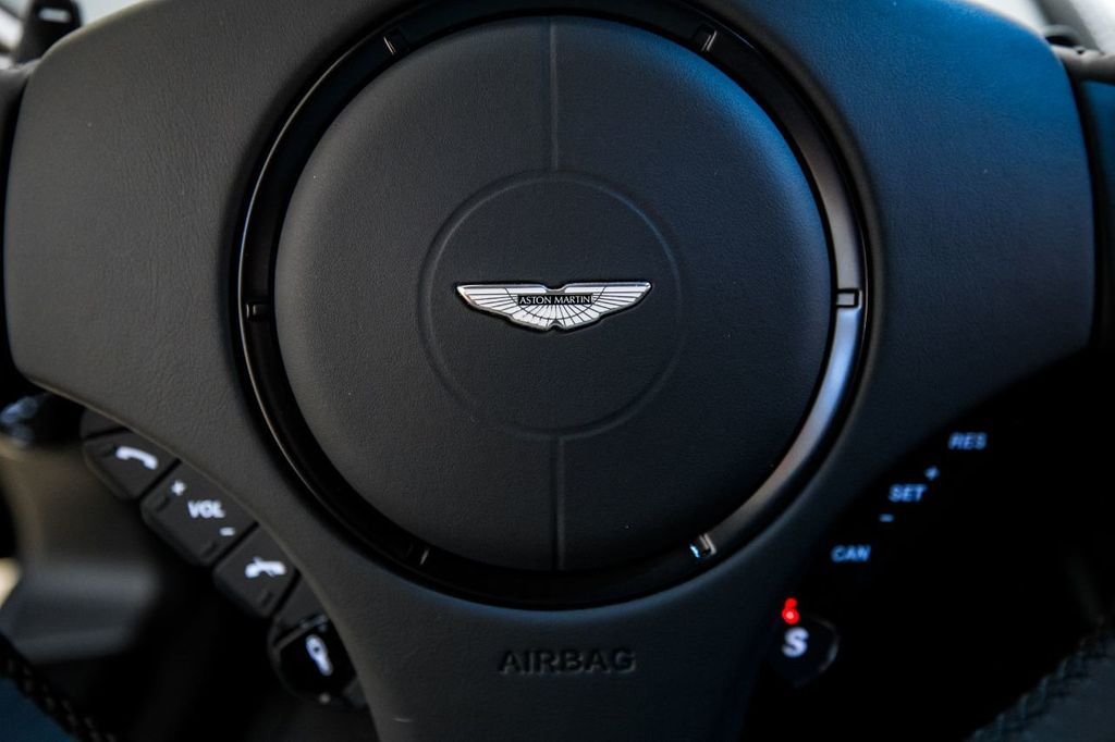 2017 Aston Martin Vanquish Coupe - 15602277 - 19