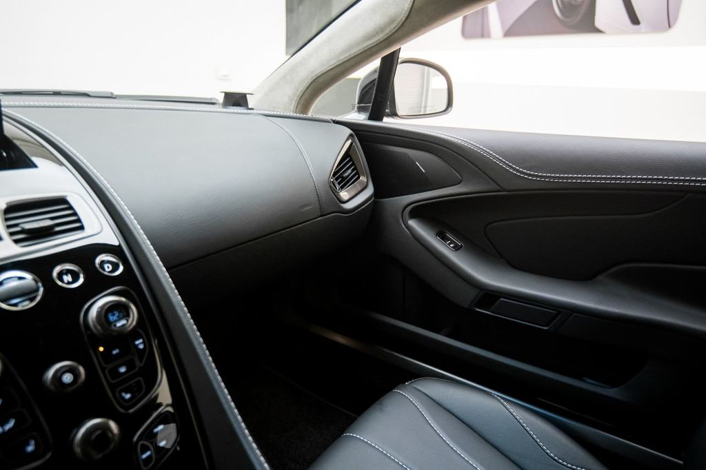 2017 Aston Martin Vanquish Coupe - 15602277 - 24