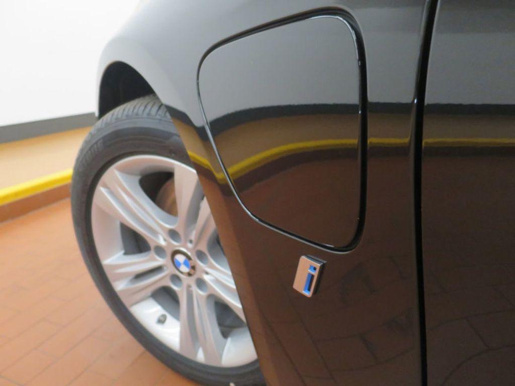 2017 BMW 3 Series 330e iPerformance Plug-In Hybrid - 16419470 - 10