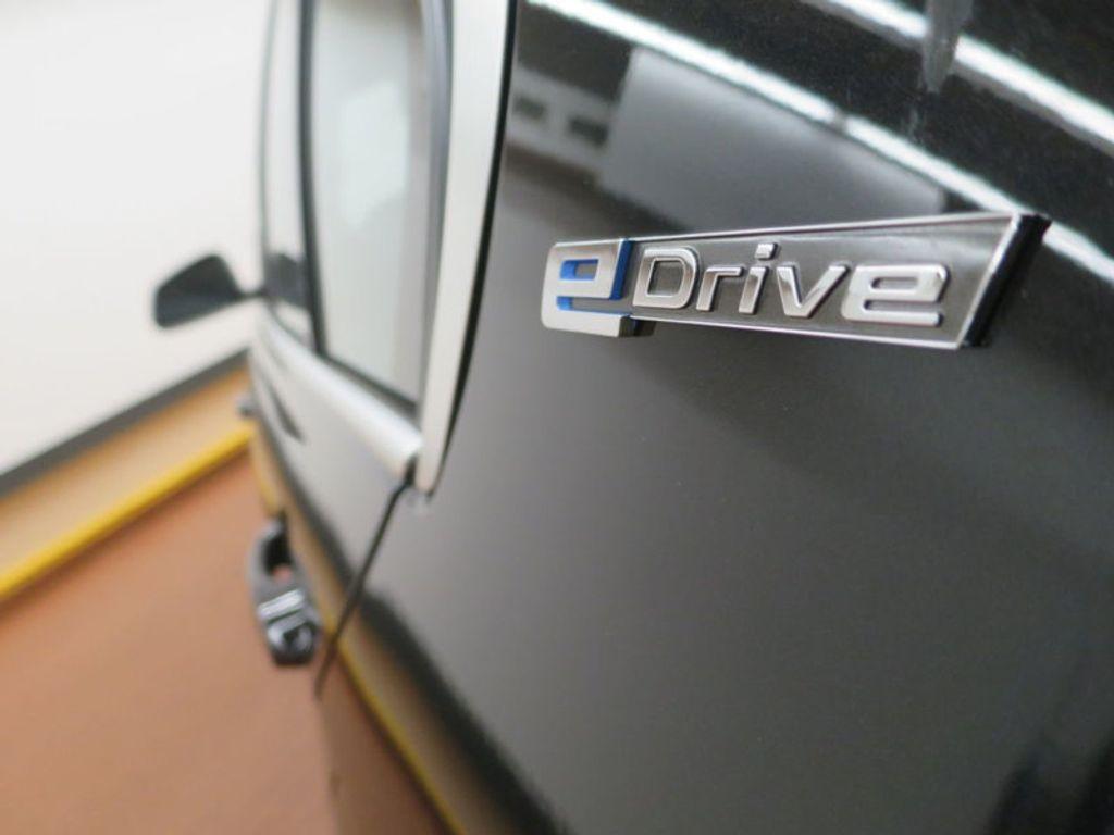 2017 BMW 3 Series 330e iPerformance Plug-In Hybrid - 16419470 - 11