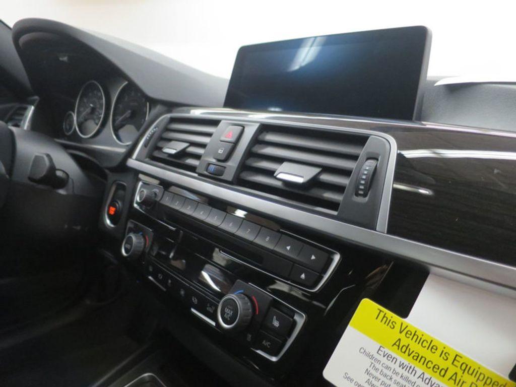 2017 BMW 3 Series 330e iPerformance Plug-In Hybrid - 16419470 - 28