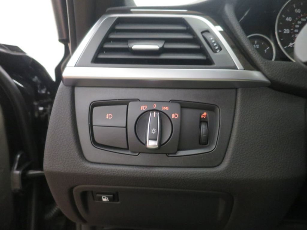 2017 BMW 3 Series 330e iPerformance Plug-In Hybrid - 16419470 - 36