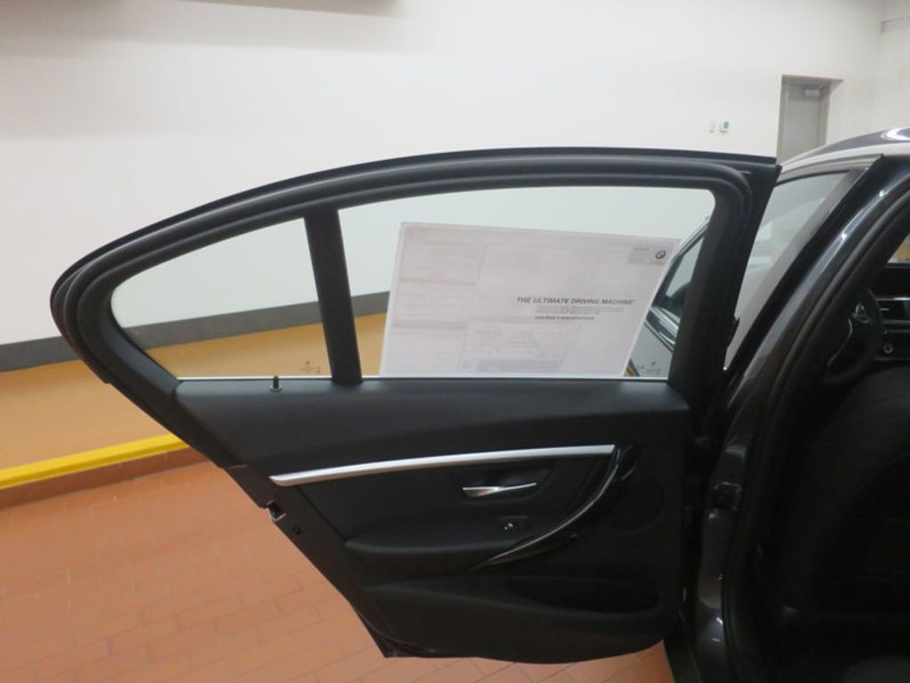 2017 BMW 3 Series 330e iPerformance Plug-In Hybrid - 16512444 - 17