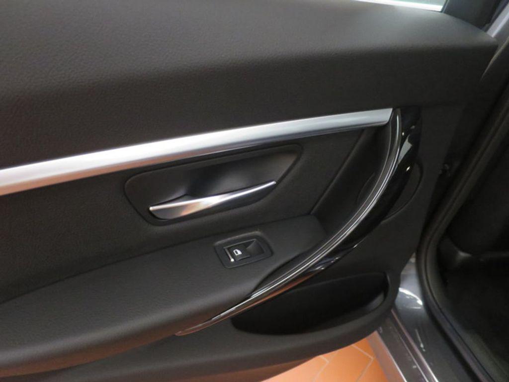 2017 BMW 3 Series 330e iPerformance Plug-In Hybrid - 16512444 - 18