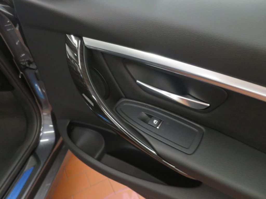 2017 BMW 3 Series 330e iPerformance Plug-In Hybrid - 16512444 - 22