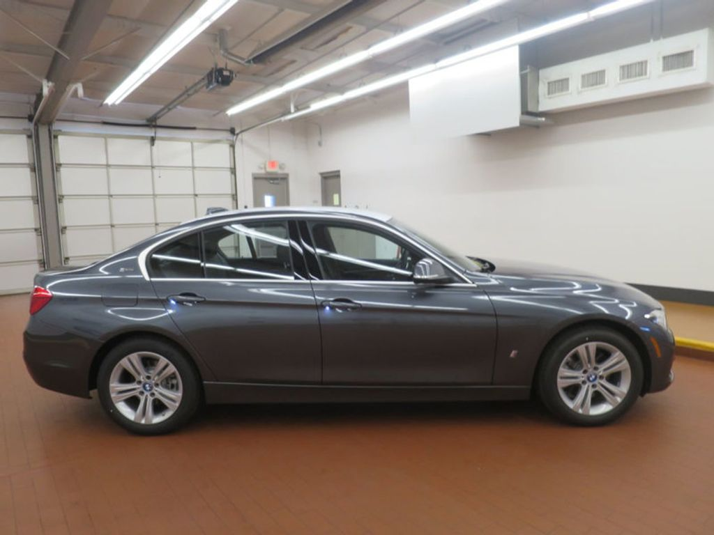 2017 BMW 3 Series 330e iPerformance Plug-In Hybrid - 16512444 - 4