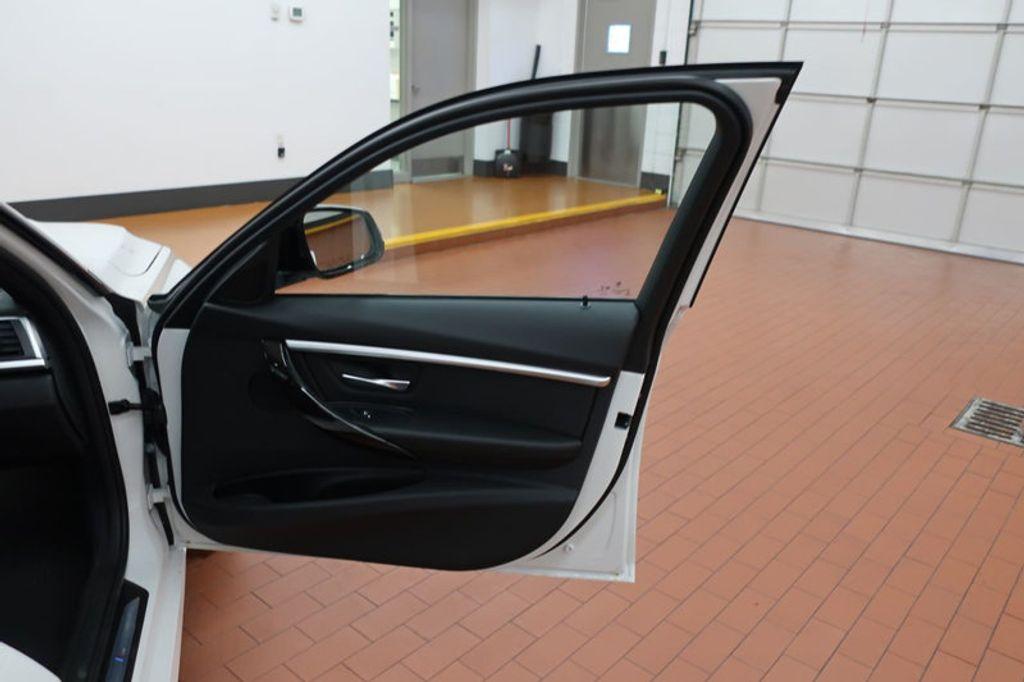 2017 BMW 3 Series 330e iPerformance Plug-In Hybrid - 16659151 - 20