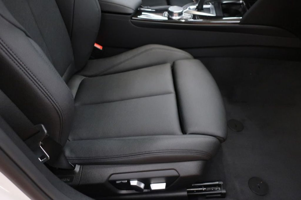 2017 BMW 3 Series 330e iPerformance Plug-In Hybrid - 16659151 - 23