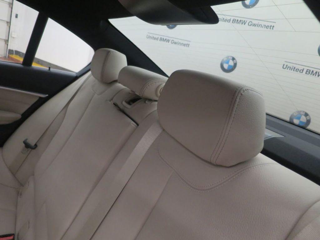 2017 BMW 3 Series 330i - 15835118 - 23