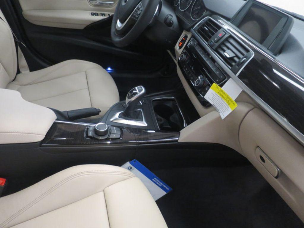 2017 BMW 3 Series 330i - 15835118 - 30