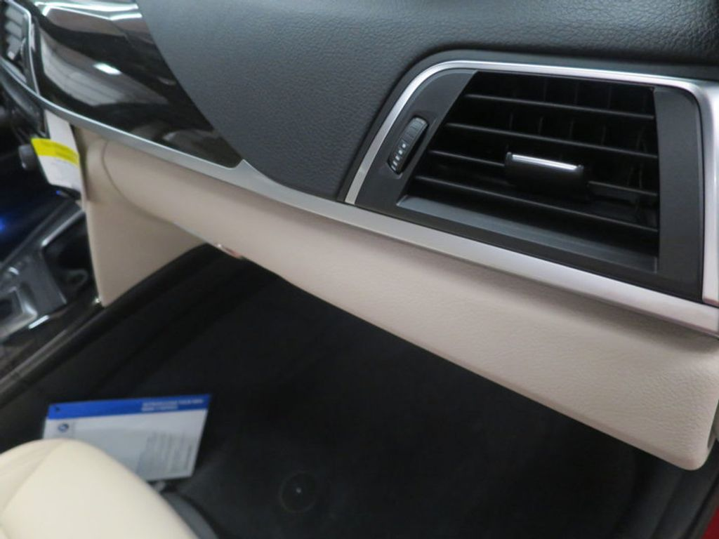 2017 BMW 3 Series 330i - 15835118 - 32