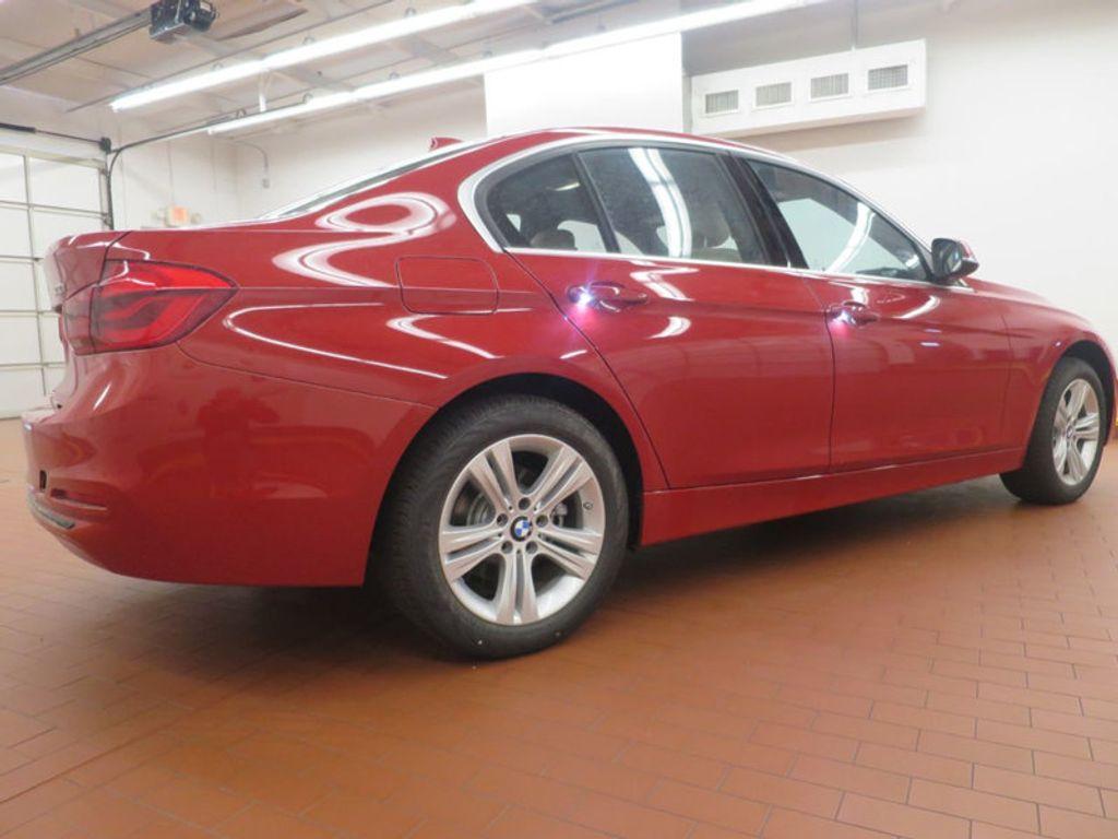 2017 BMW 3 Series 330i - 15835118 - 3