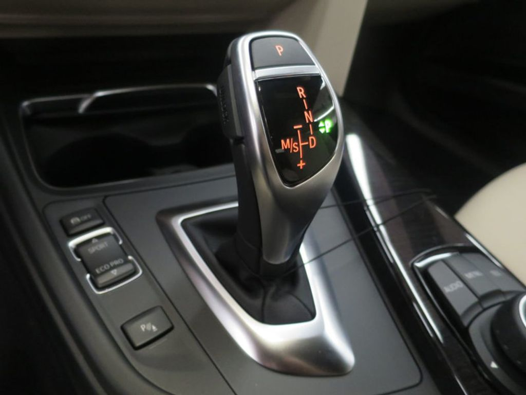 2017 BMW 3 Series 330i - 15835118 - 43