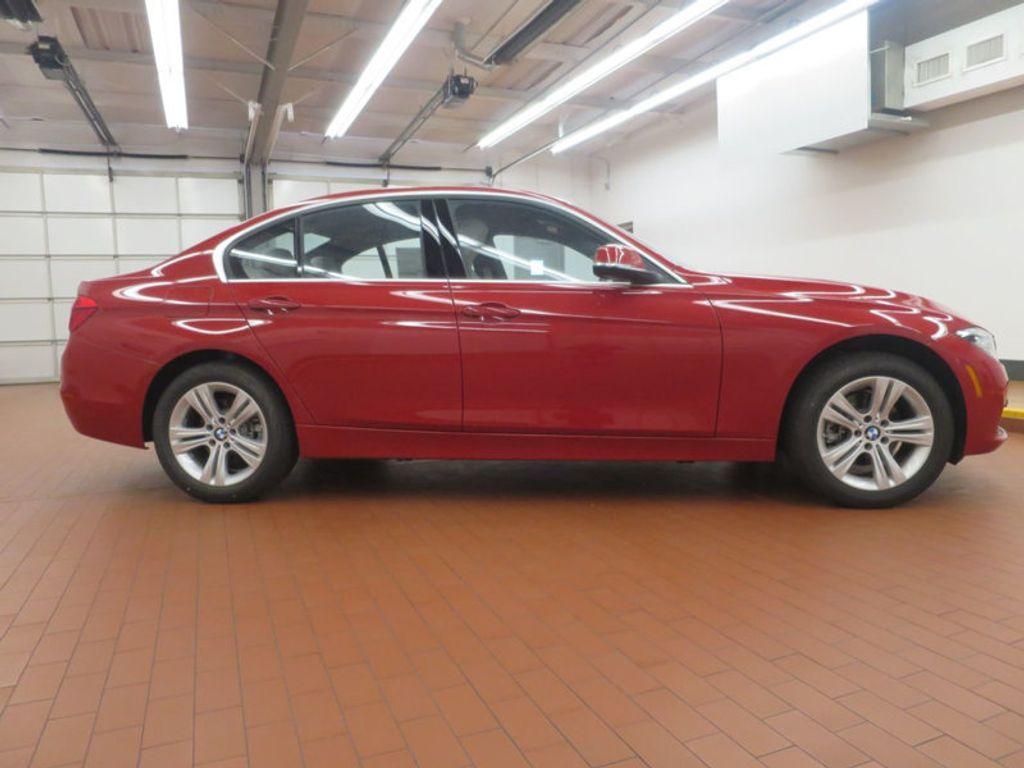 2017 BMW 3 Series 330i - 15835118 - 4