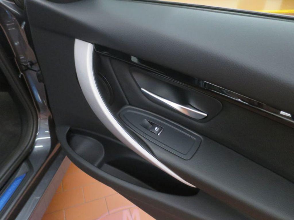 2017 BMW 3 Series 330i - 16564069 - 20