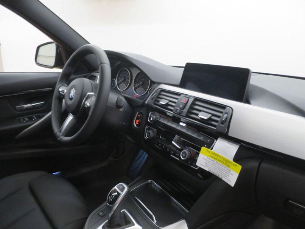 2017 BMW 3 Series 330i - 16564069 - 25