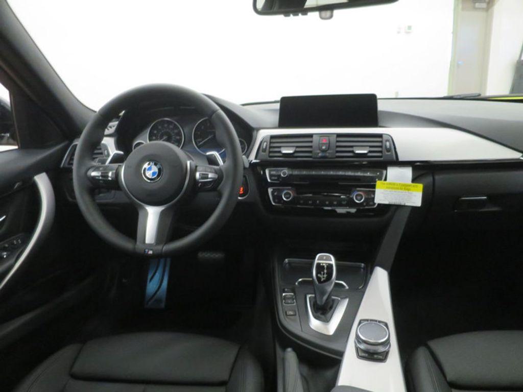 2017 BMW 3 Series 330i - 16564069 - 33