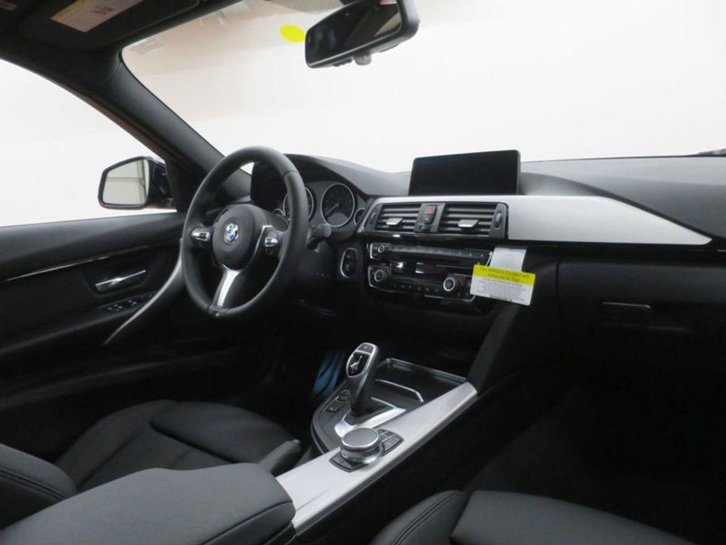 2017 BMW 3 Series 330i - 16564069 - 34