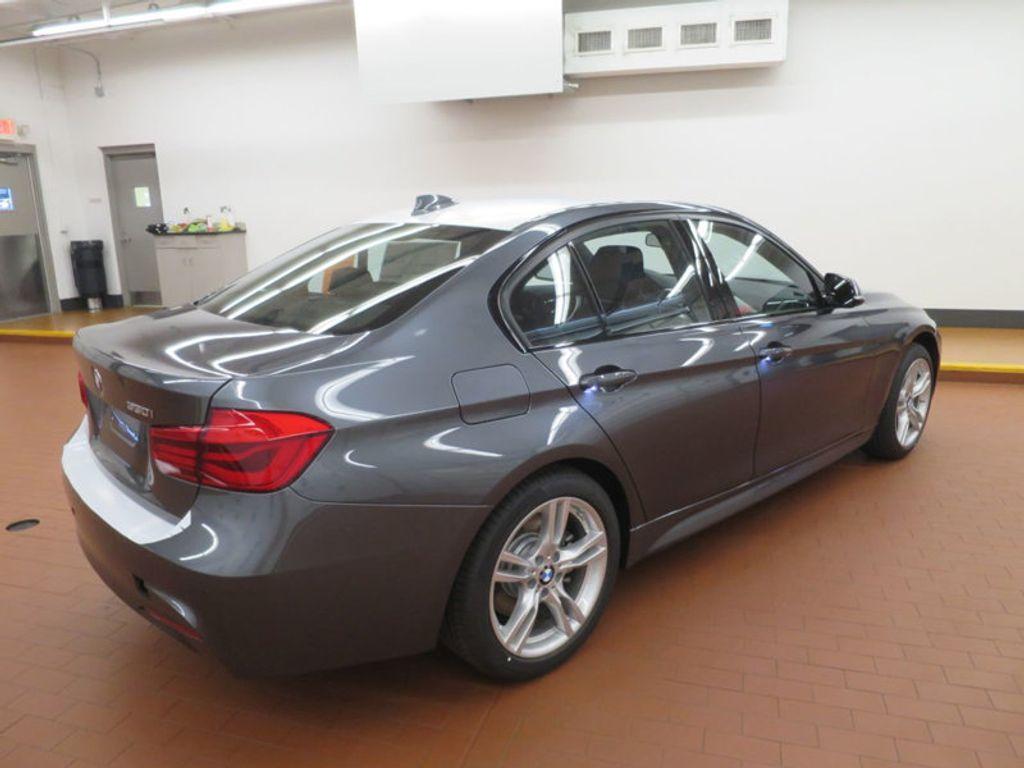 2017 BMW 3 Series 330i - 16564069 - 3