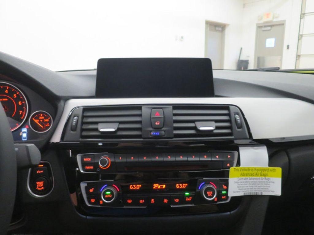 2017 BMW 3 Series 330i - 16564069 - 42