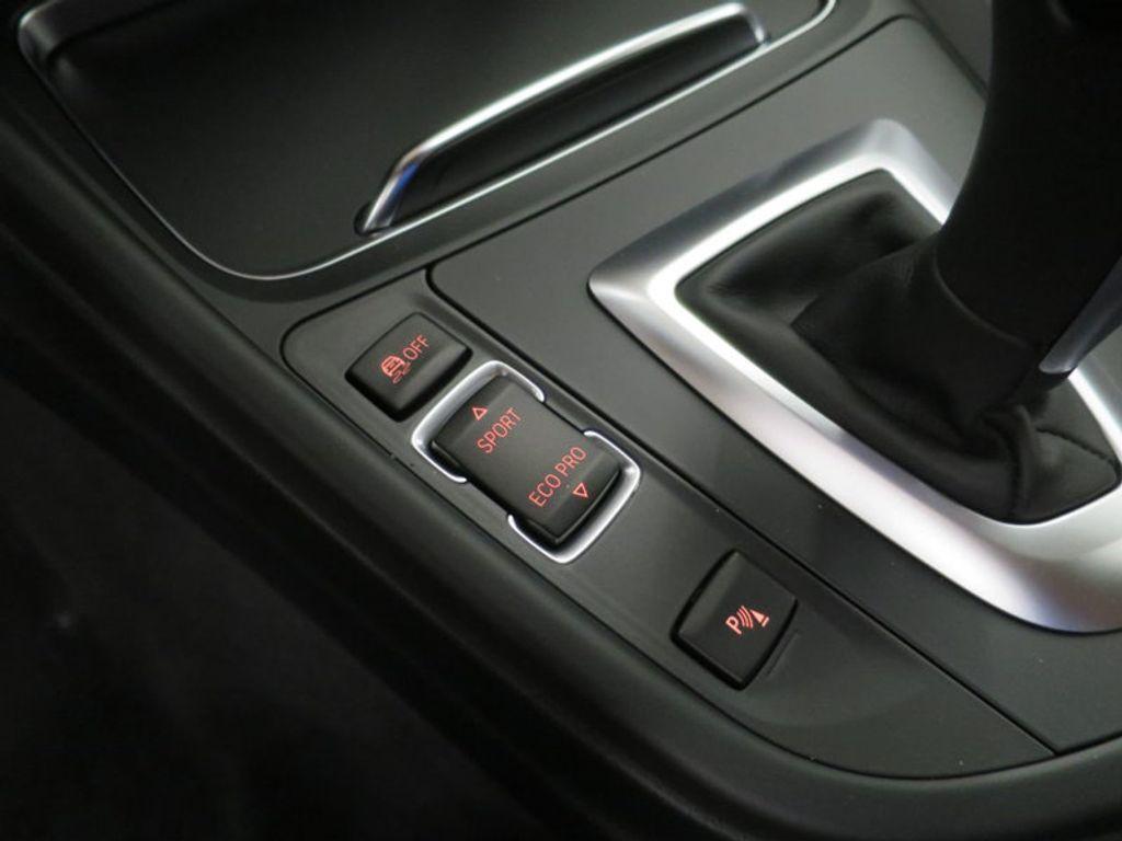 2017 BMW 3 Series 330i - 16564069 - 45