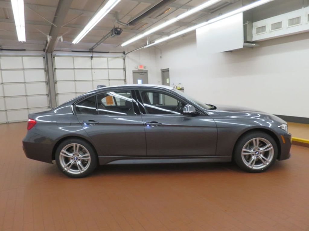 2017 BMW 3 Series 330i - 16564069 - 4