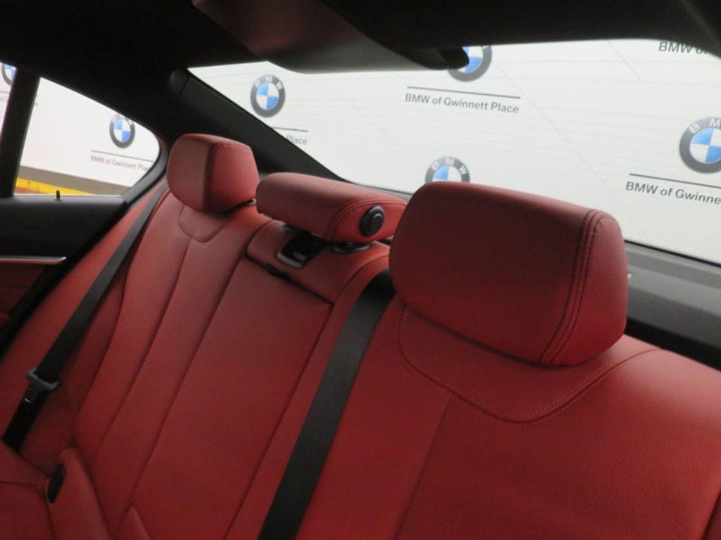 2017 BMW 3 Series 330i - 16569424 - 18