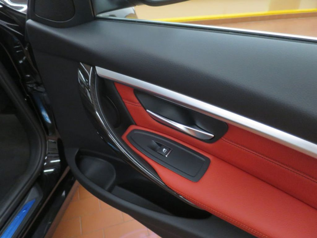 2017 BMW 3 Series 330i - 16569424 - 20