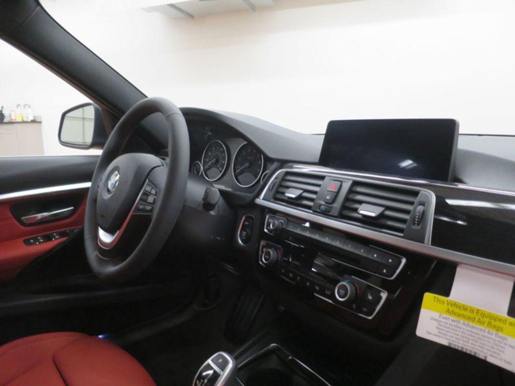 2017 BMW 3 Series 330i - 16569424 - 25