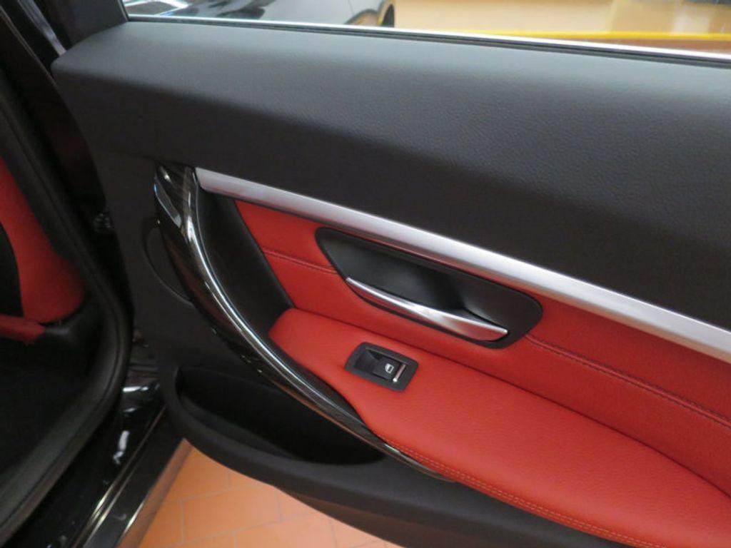 2017 BMW 3 Series 330i - 16569424 - 30