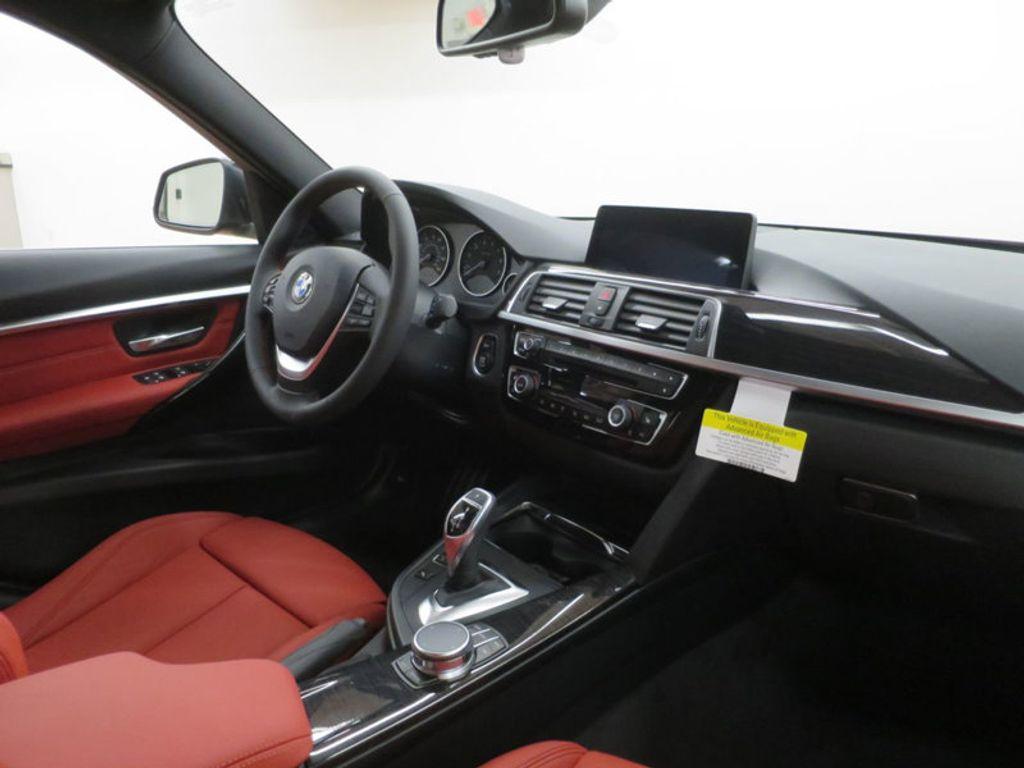 2017 BMW 3 Series 330i - 16569424 - 34