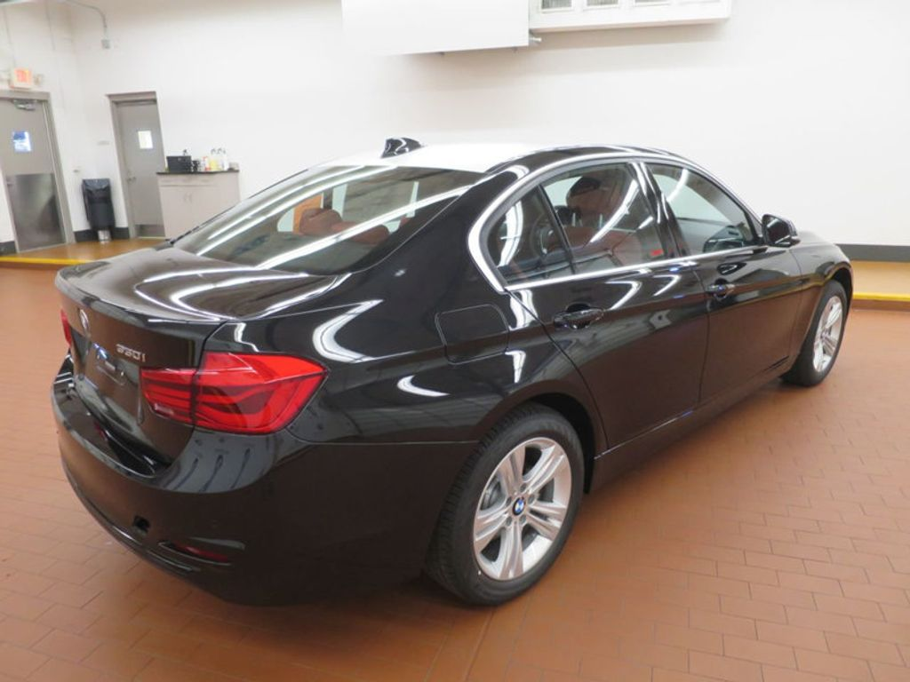 2017 BMW 3 Series 330i - 16569424 - 3
