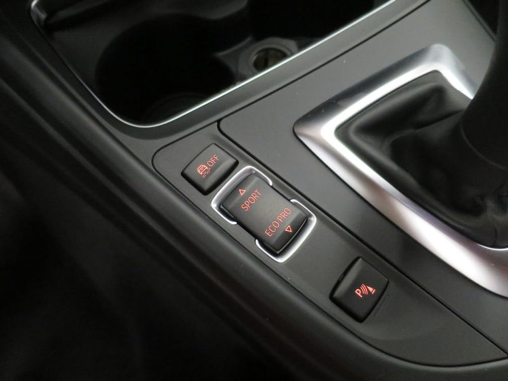 2017 BMW 3 Series 330i - 16569424 - 44