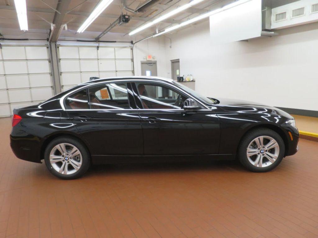 2017 BMW 3 Series 330i - 16569424 - 4
