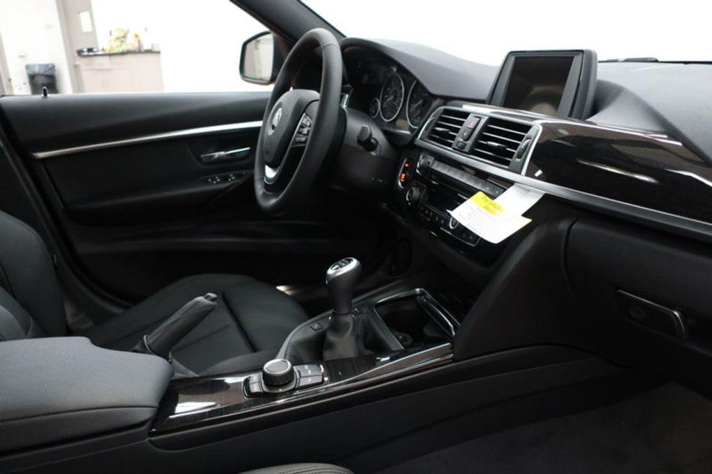 2017 BMW 3 Series 330i - 16635902 - 27