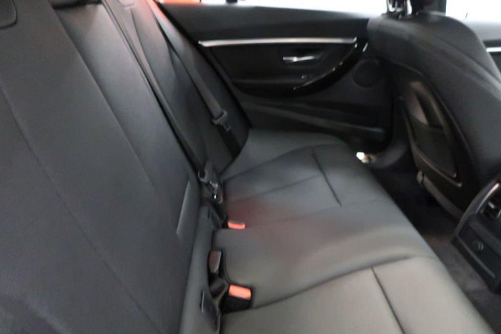 2017 BMW 3 Series 330i - 16635902 - 31