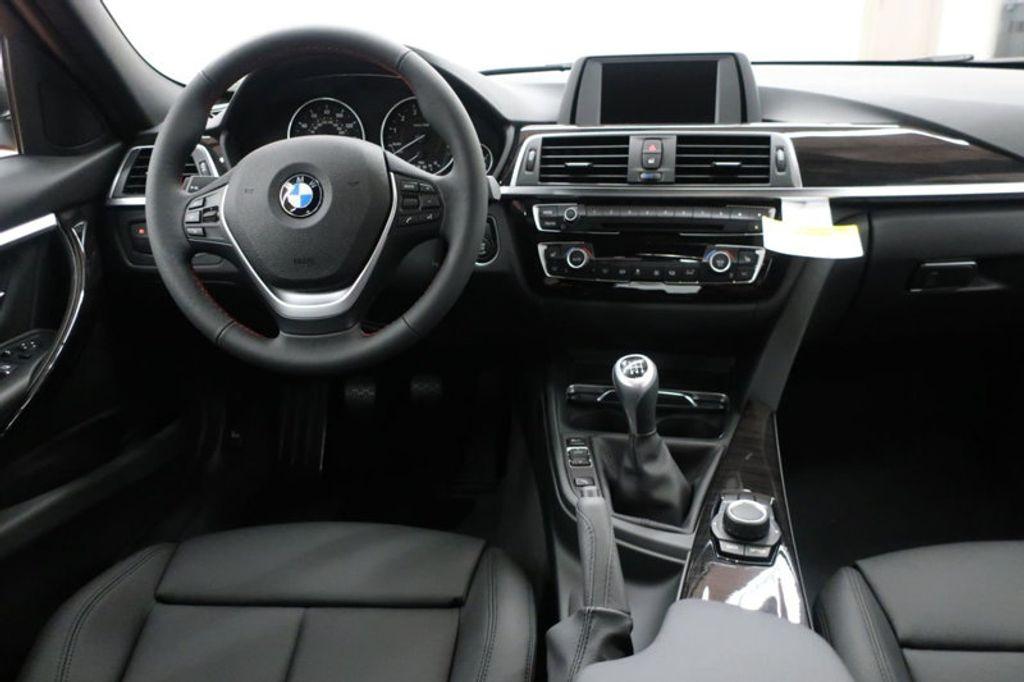 2017 BMW 3 Series 330i - 16635902 - 33