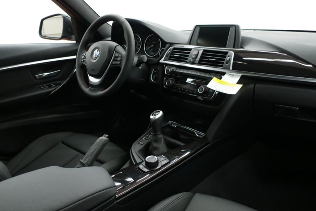 2017 BMW 3 Series 330i - 16635902 - 34