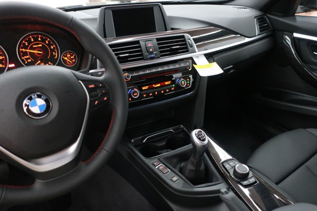 2017 BMW 3 Series 330i - 16635902 - 47