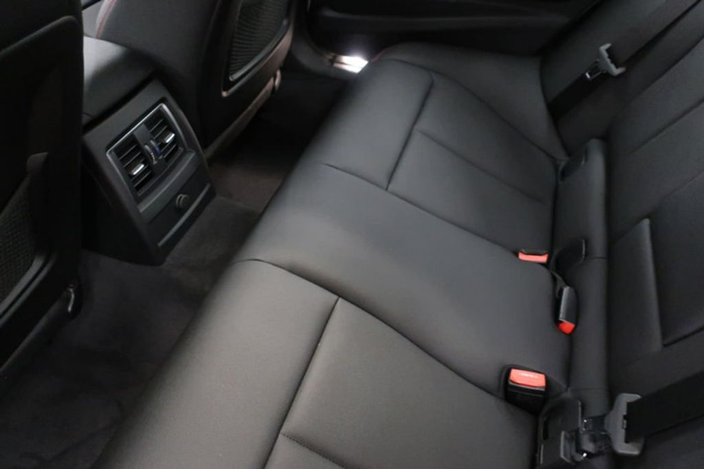 2017 BMW 3 Series 330i - 16640640 - 21