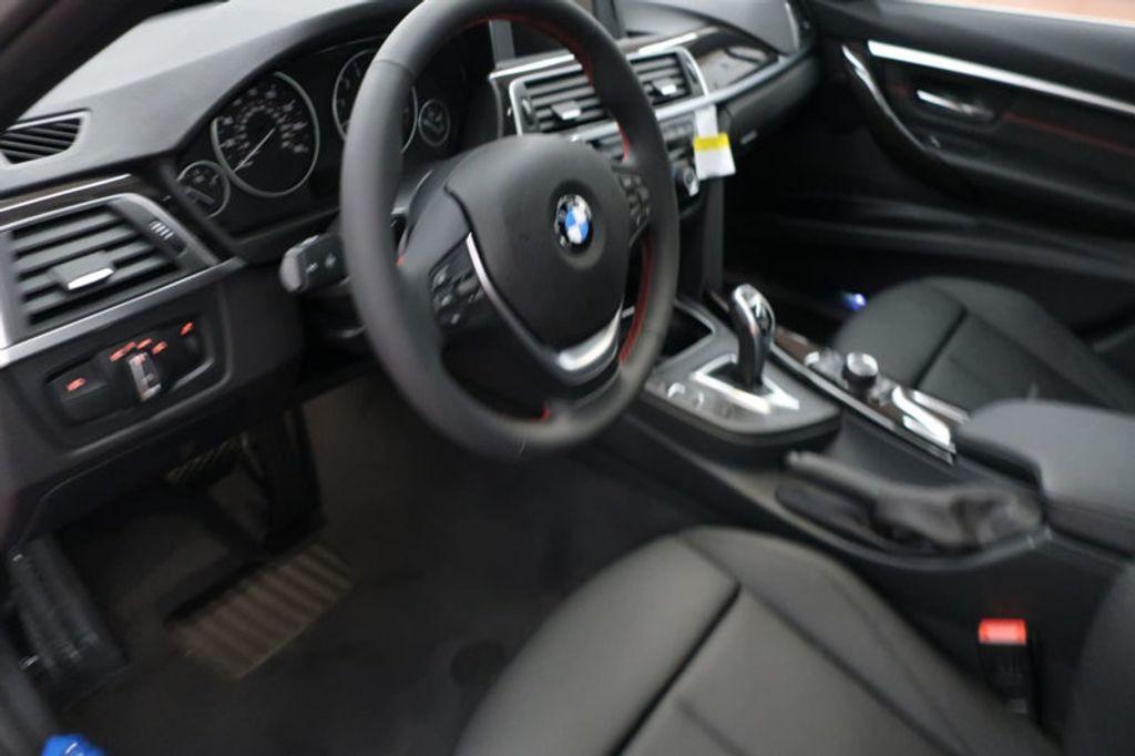 2017 BMW 3 Series 330i - 16640640 - 32