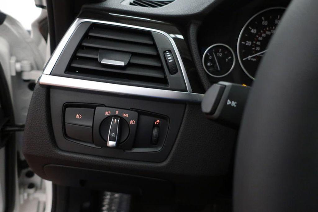 2017 BMW 3 Series 330i - 16640640 - 35